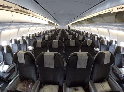 airbus a330 interni avianca incia opera 231 227 o do airbus a330 no voo entre o