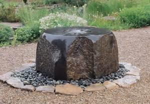 Garten Brunnen Stein Ideen Garten Brunnen Aus Stein 30 Ideen F 252 R Dekorative Zierbrunnen