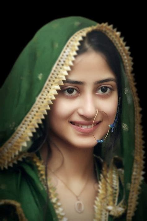 Sajal Ali Without Makeup Hows She Looking Without | unseen without makeup pictures of young pakistani actresses