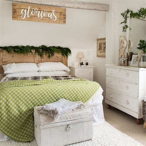 christmas bedroom decorating ideas     scheme  magical