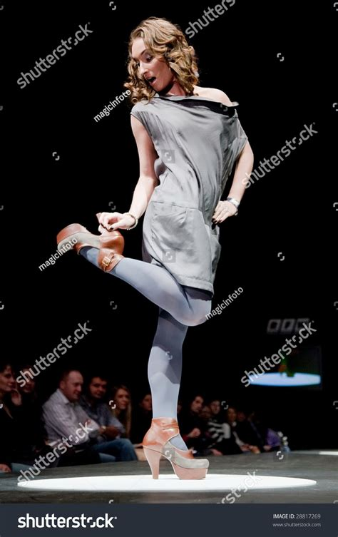 117 Desinger Boots For Winter 2009 2010 by Moscow April 3 Model Displays New Designer Shoes From