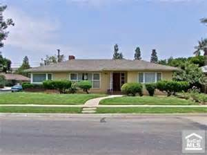 Ranch Home Curb Appeal Ideas - what 5 changes would you make to this 1950s ranch hooked on houses
