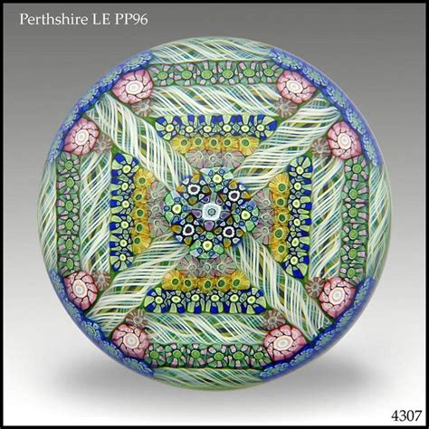 How To Make Glass Paper Weight - 1440 best images about paperweights on glass