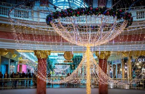 trafford centre lights trafford centre contributed 163 488 9m to local economy says