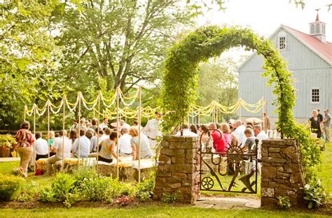real backyard weddings lydia joshua s backyard real wedding green wedding