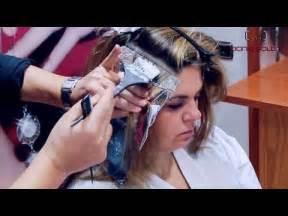 como hacer highliths en el cabello como hacer unas mechas con papel plata how to make