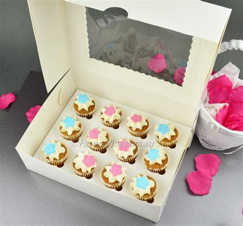 Box Cupcakes 12 mini cupcake boxes wedding favors