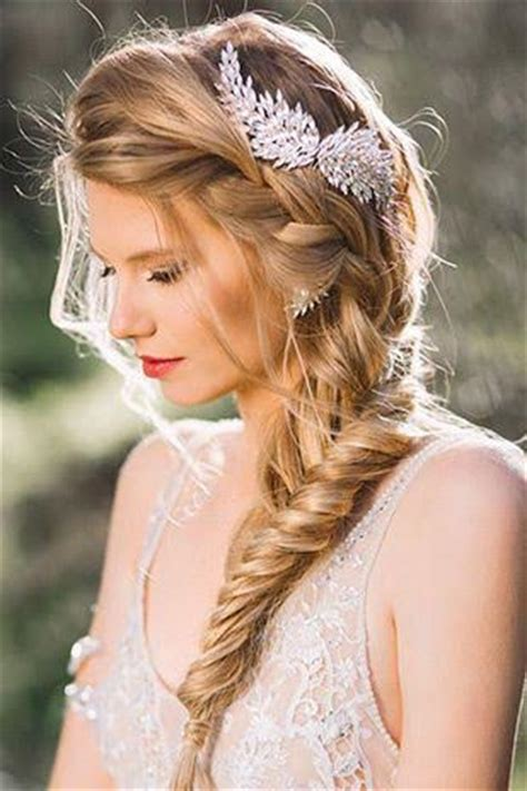 Wedding Day Hairstyles by Weekly Inspiration Our Favorite Wedding Day Hairstyles
