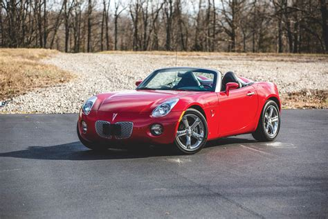 Pontiac Solstice by Want A Nearly New Pontiac Solstice Here S Your Chance