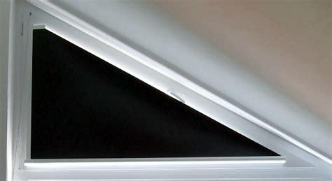 dreiecksfenster verdunkeln verdunkelungsrollos neu1