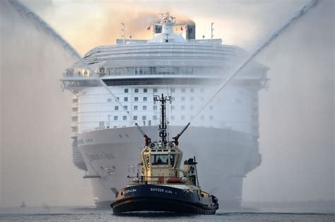 largest ship in the world largest cruise ship ever sets sail for maiden voyage