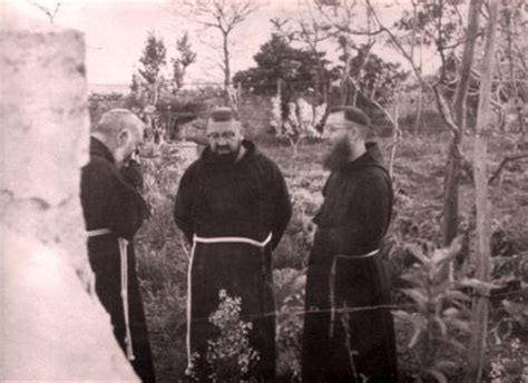 padre pio biography in spanish padre pio biography english close encounters of the