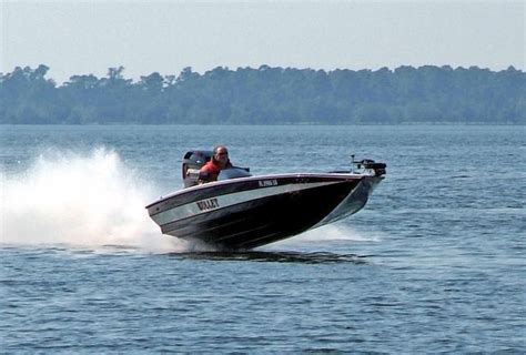 bullet boats racing 1000 images about circle track bass boat racing on