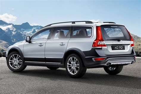2014 volvo xc70 review 2015 volvo xc70 new car review autotrader