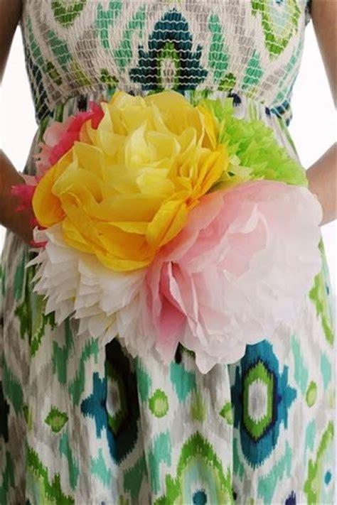 fare i fiori con la carta come fare fiori con tovaglioli di carta fiori di carta