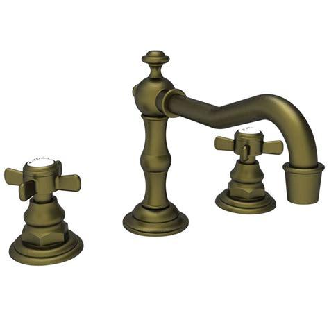 newport brass bathroom faucets faucet com 1000 06 in antique brass by newport brass