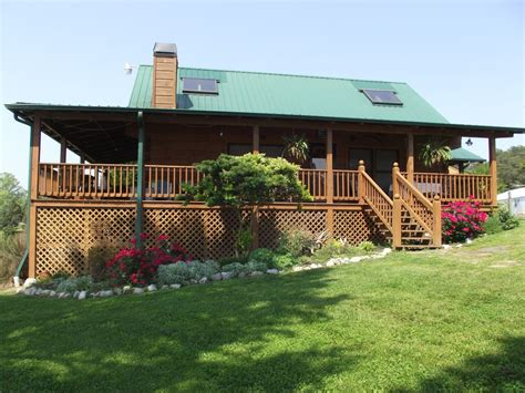 lakefront log home with homeaway lazy s way lakefront log home homeaway dandridge