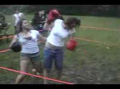female backyard boxing backyard girl boxing http femalefightingdvds com youtube