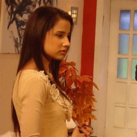 Actress Saniya Shamshad Biography and Pictures 2   Life n Fashion