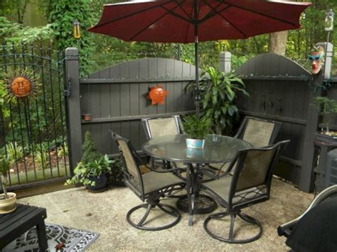Small Patio Decorating Ideas On A Budget (Small Patio