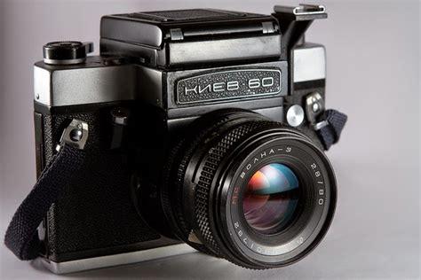 buy medium format shooting 12 cool medium format cameras to buy