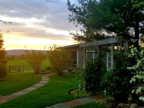 Cottage Offers by Hurley Byrd Cottage Piney Hill Bed Breakfast Luray Va