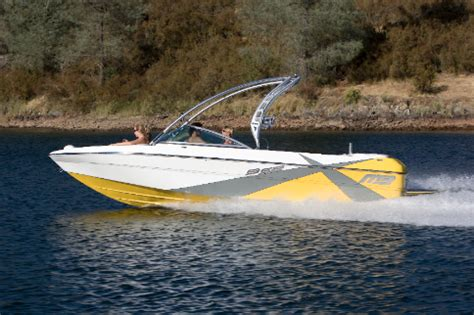 axis boats any good research 2011 mb sports b 52 23 wide body x on iboats