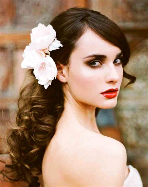 Wedding Hairstyles To The Side With Flower by S Side Swept Curl Bridal Hair Ideas Toni