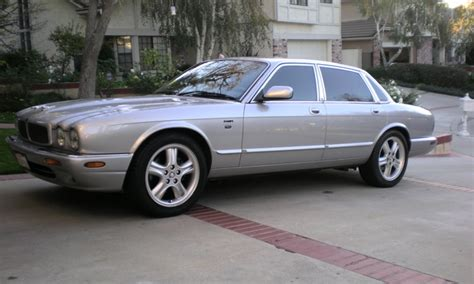 automotive service manuals 2003 jaguar xj series regenerative braking service manual 2003 jaguar xj series information and photos momentcar 2003 jaguar xj series