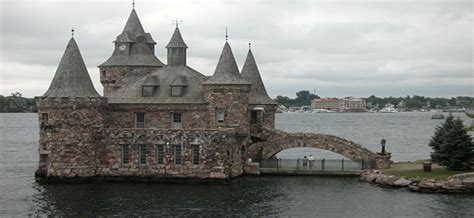 tow boat us city island 2 days from new york to niagara falls thousand islands tour