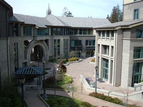 Haas Mba Size by File Haas School Of Business Central Courtyard Jpg