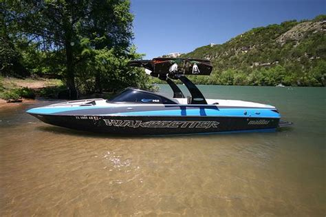 best wakeboard boat best wakeboard boats compare wakeboard boat reviews