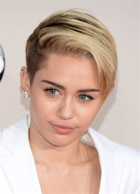 miley cyrus hairstyle name miley cyrus side parted short blonde straight hairstyle