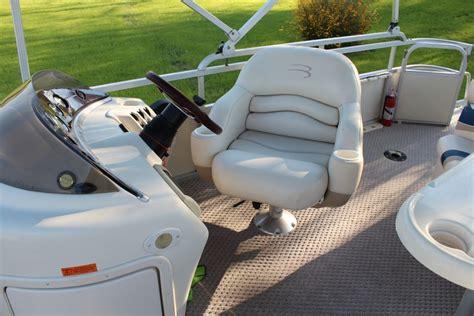 bennington pontoon captains chair bennington 2004 for sale for 1 500 boats from usa