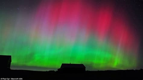 Solar Flares Northern Lights Solar Flare Causes Northern Lights In Us Kansas Maine And