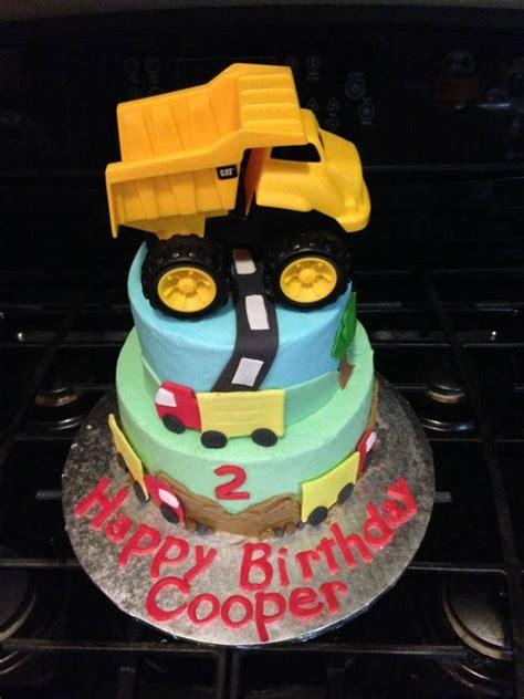 Ee   Ee    Ee  Year Ee    Ee  Old Ee    Ee  Boy Ee    Ee  Birthday Ee   Cake Trucks Dumptruck