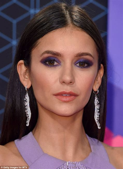Eyeshadow Emas femail reveals how to make purple lids work for you like dobrev at the mtv emas daily
