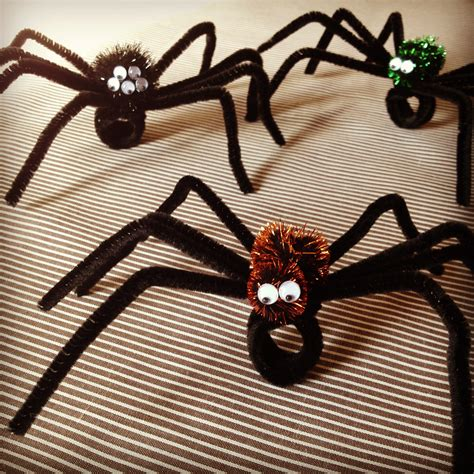 halloween storytime pipe cleaner spider craft www imgkid com the image kid has it