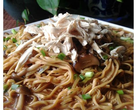 new year vegetarian noodles shredded chicken braised e fu noodles 鸡丝韭黄伊府面 guai shu shu
