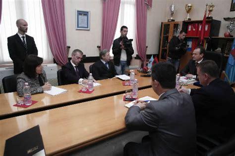 consolato albanese passaporti visita di s e l ambasciatore d italia massimo gaiani a valona