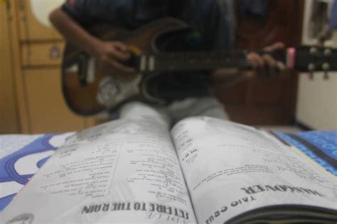 tutorial bermain gitar blues komunitas os sman 21 tutorial bermain gitar
