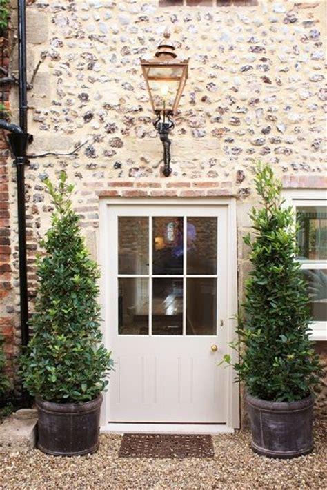 cottage front doors best 25 cottage door ideas on cottage front