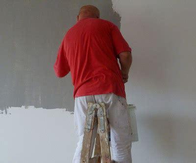 rauputz farbig streichen 5640 auf putz streichen great risse in der fassade with auf