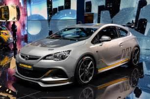 Opel Vxr Opel Astra Vxr Front Three Quarter Photo 16