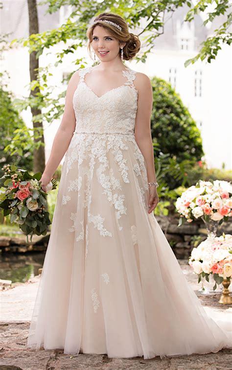size wedding dress  lace illusion  stella york