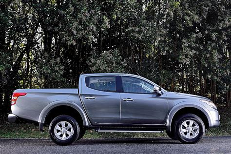 mitsubishi new 2015 new mitsubishi l200 specs and details autos world blog