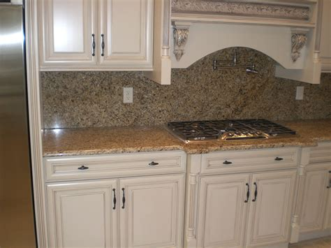 white kitchen cabinets venetian gold granite quicua