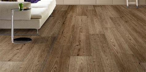 pavimenti sintetici per interni pavimenti in laminato terreni vernici villastanza di