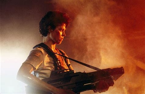 Cameron S Aliens With A Sigourney Weaver Says Neill Blomk S Gives