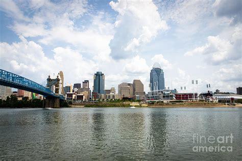 Downtown Cincinnati Gift Card - downtown cincinnati skyline buildings photograph by paul velgos
